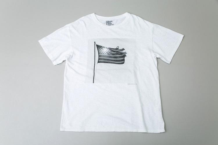 スティーロ企画のTシャツ。写真はロバート・メイプルソープ氏