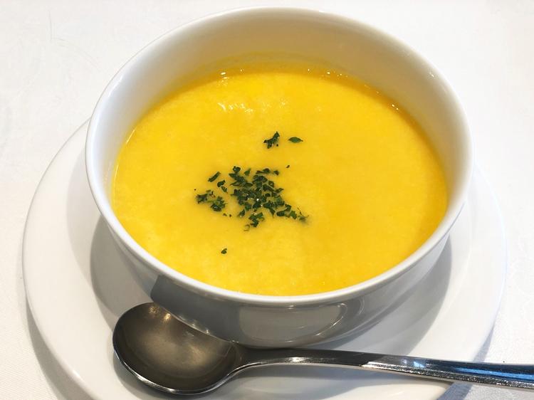 ポタージュスープは本格フレンチ並みのおいしさ