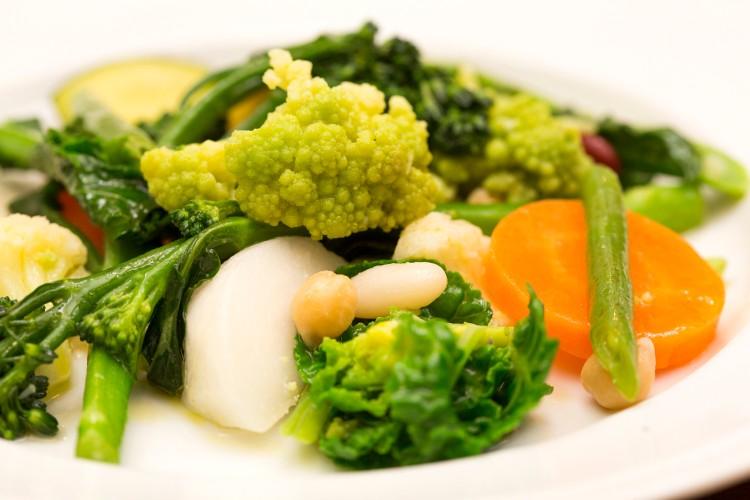 「茹で野菜いろいろのドレッシング和え」1000円