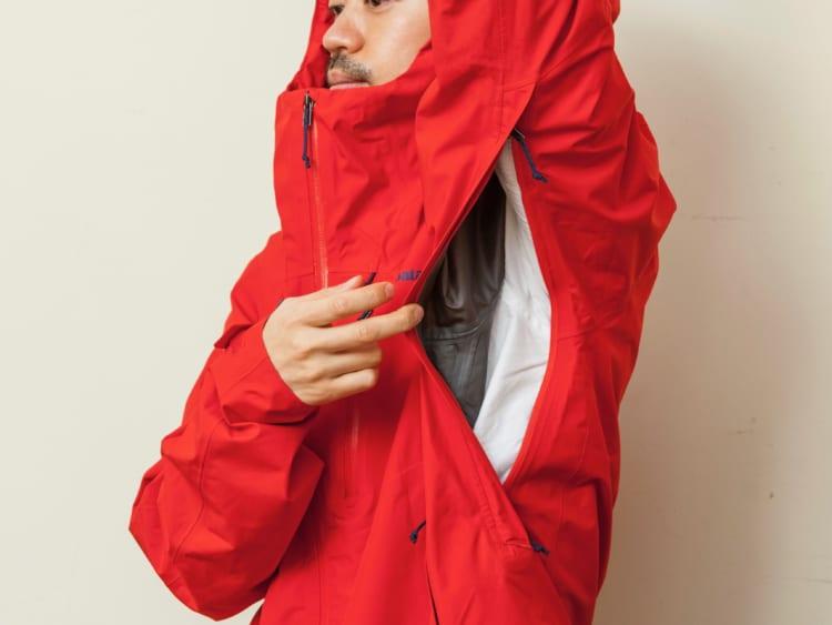 パタゴニアが満を持して発売した春夏レインジャケット 半袖の上でも肌に張り付かない