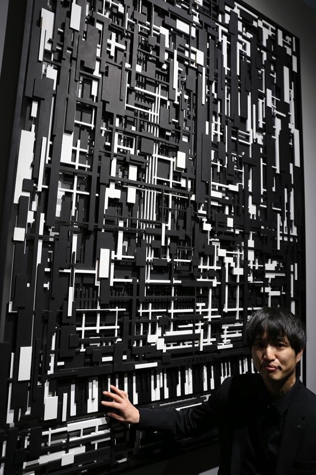 チェントラーレ地区においてヤマハは「Pulse」をテーマに若手社内デザイナーの作品を持ち込み、「Pianissimo Fortissimo」は鷲尾和哉さんが絵画のようなピアノとしてデザインした。サイズはグランドピアノとほぼ同じだが厚さは15センチほどだ