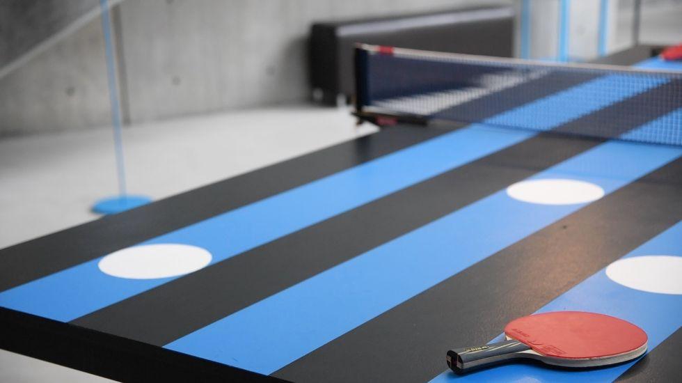 ダミアン・プーランさんの作品「Disruptive Thought」は、実際に卓球をプレーすることができる