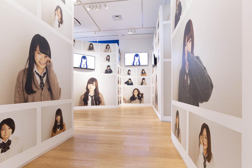 伊藤万理華 ×『MdN』 元編集長 ・本信光理 「乃木坂46 Artworks だいたいぜんぶ展」のクリエーションを語る!