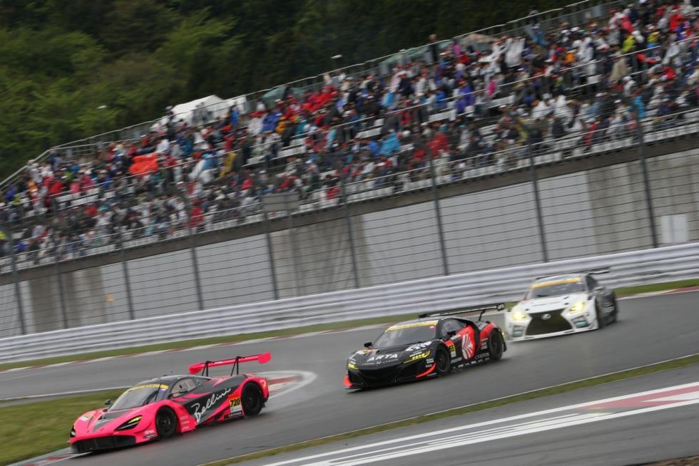 No.720 McLaren 720S(荒 聖治/アレックス・パロウ)、No.55 ARTA NSX GT3(高木 真一/福住 仁嶺)、No.96 K-tunes RC F GT3(新田 守男/阪口 晴南)
