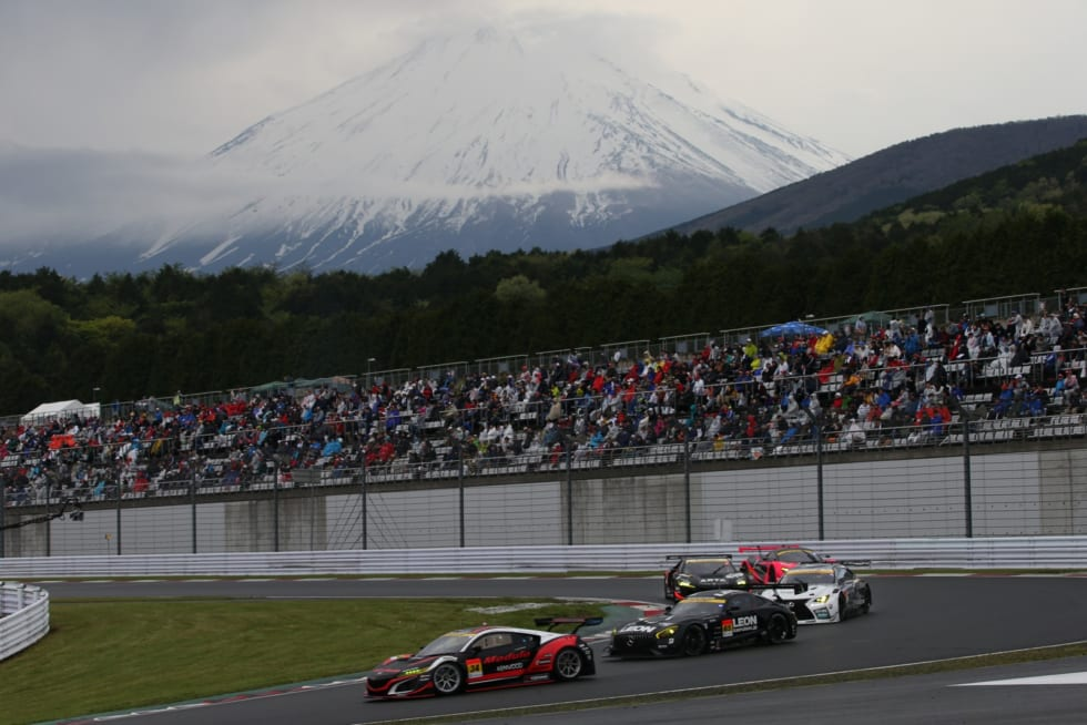 雨があがり富士山が顔をみせた