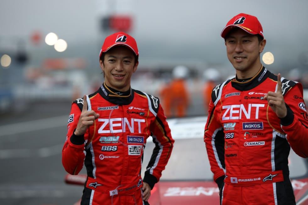 GT500クラスで勝利した立川祐路と石浦宏明