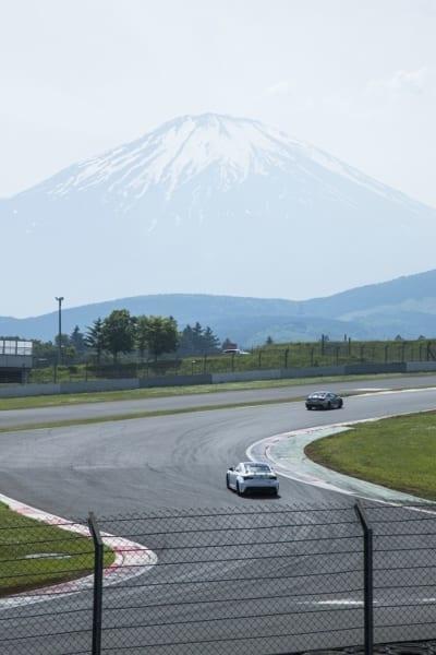 サーキットからは富士山が大きく見える