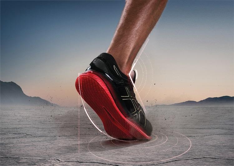 省エネ走行の秘密は足の甲とスネの角度の変化を抑えたことにある