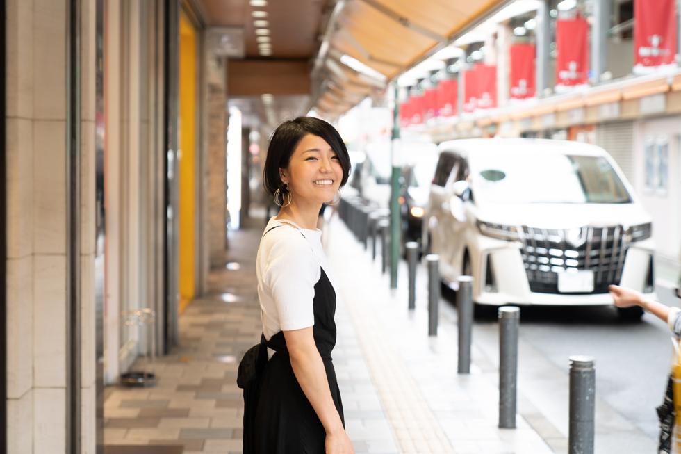 名古屋で生まれて育った私は ウエディングプランナーになって働く夢を抱いていて東京にやってきた。 そこに訪れた、突然の妊娠。運命が、大きく動き始める。