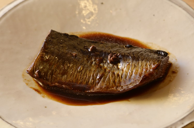 にしんは1日かけて炊き、味を芯まで含ませてある