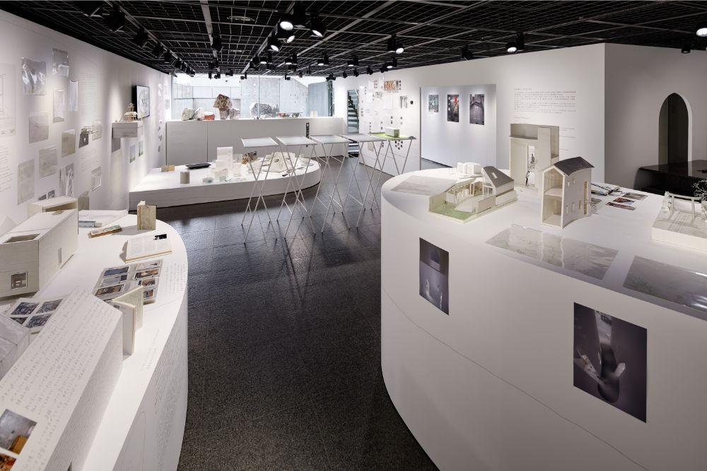 3Fには、映画のメイキング資料や建築のドローイング、模型などが展示されている