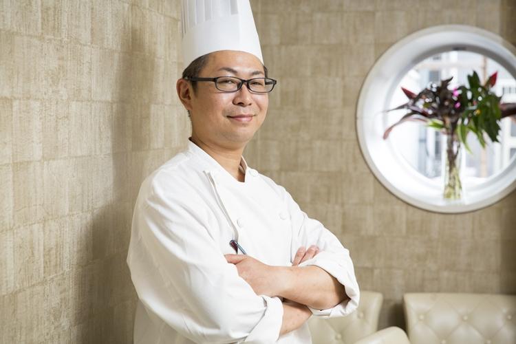 今年で銀座芳園の料理長3年目の渡邊太さん