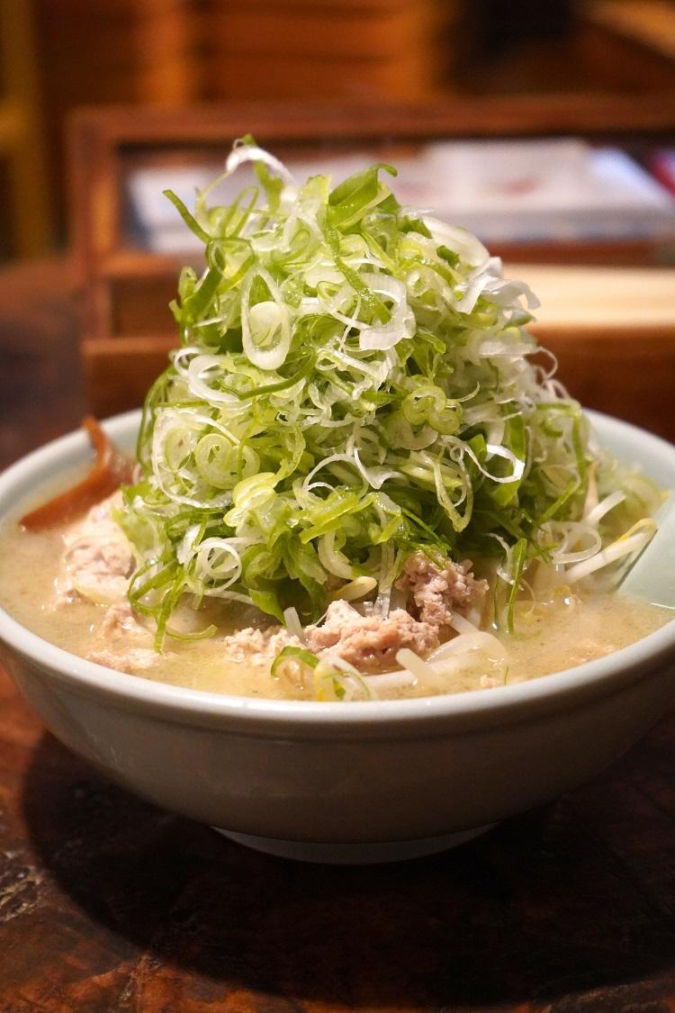 <80>札幌でラーメンを食べるなら? 「喜来登」「高級麺料理 昼膳 無聊庵」で味わう圧巻の一杯