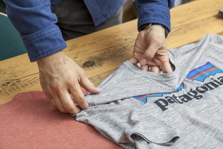 縮みにくく伸びにくいものの、ミドリ・バイオソフト加工が施されているためコットンTシャツよりもストレッチする
