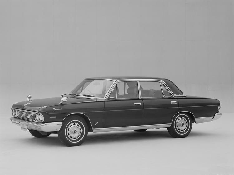 3ナンバー専用車として開発され65年に発売された初期型