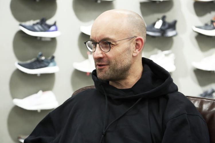 「アディダスの社員はみんなスニーカーが大好き。もちろん私もそのひとりです」 とトーマスさん