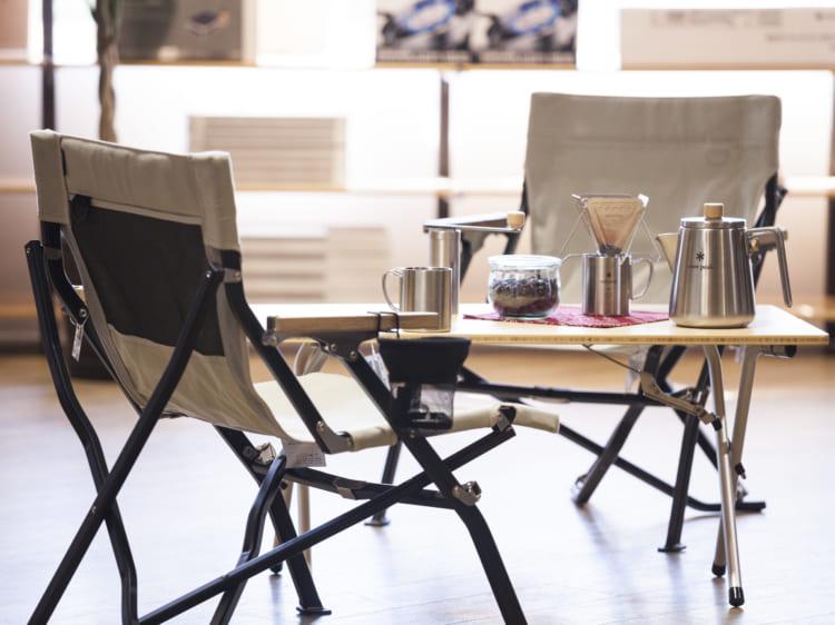 自宅で使えるキャンプギア、ベランダがコーヒーを楽しむ空間に スノーピークに聞く