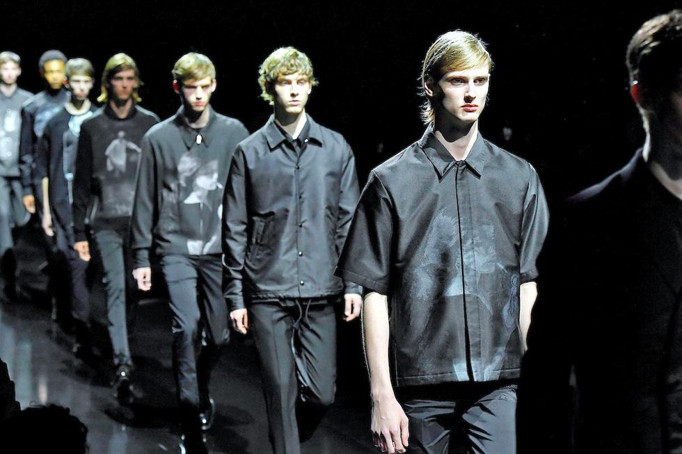 黒で攻める、創作の新境地 20年春夏、パリ・メンズコレクションの日本勢