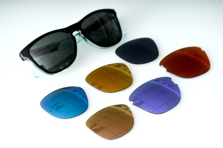 オークリーでは通常のレンズのほか、偏光レンズなどをラインナップ。別売りも可能とのことなので、気分でレンズを入れ替えてもいいだろう