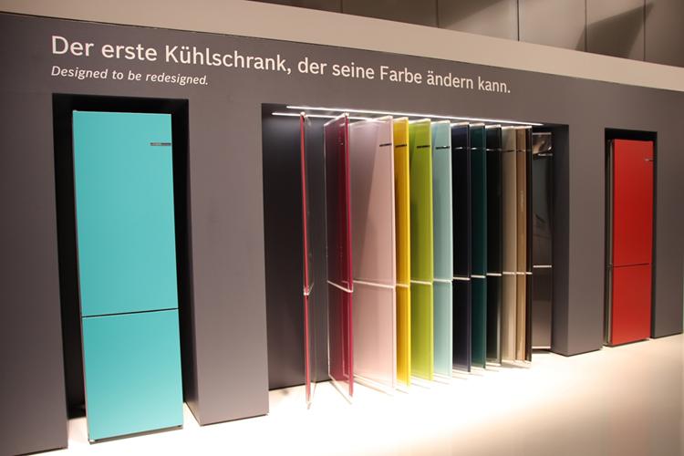 ボッシュによる冷蔵庫ドアパネルのカスタマイジング・システム