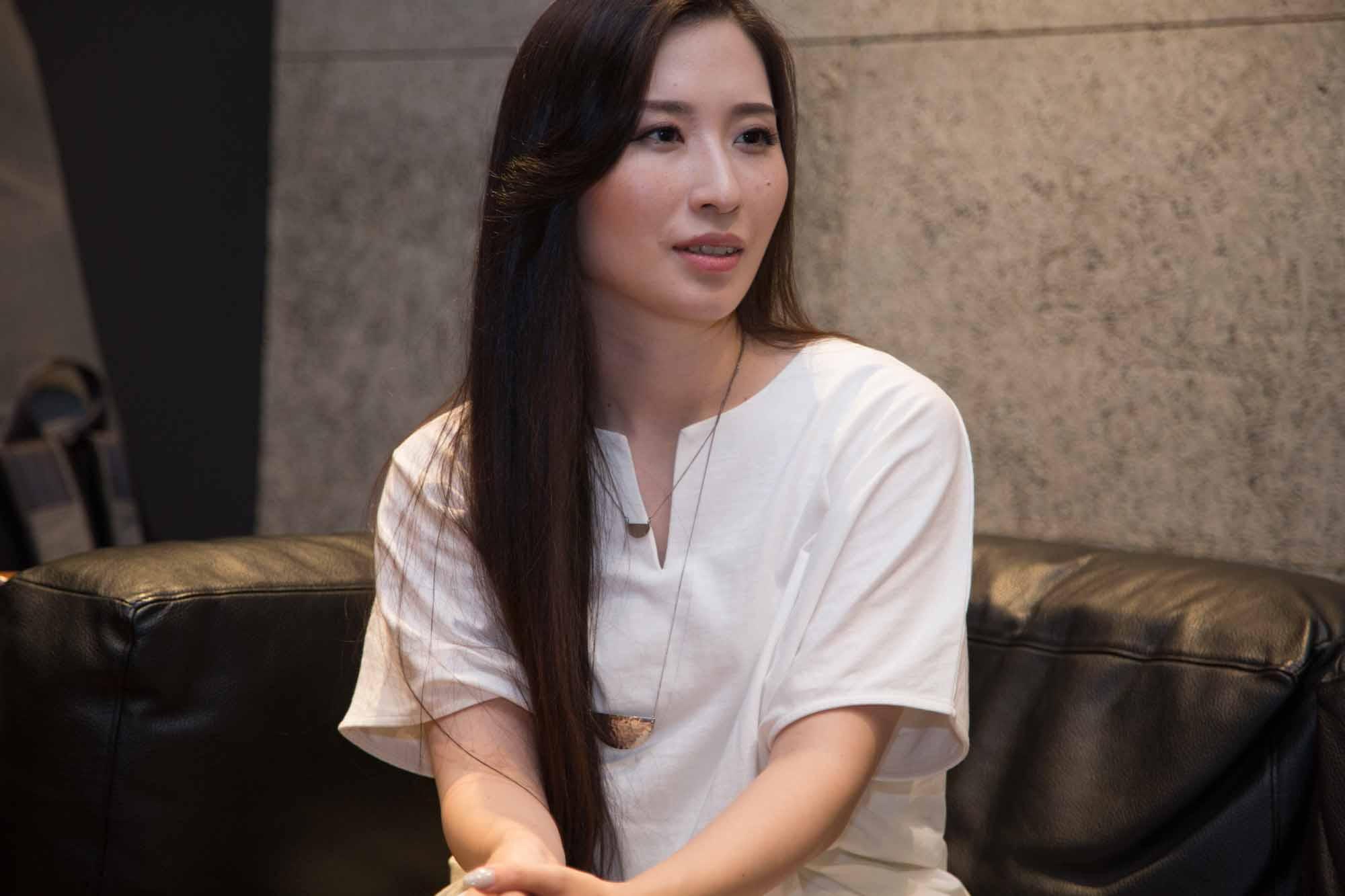 休日課長×花柳凜 葛飾北斎を見て進化したベーシストと、日本舞踊をカジュアルにする舞踊家
