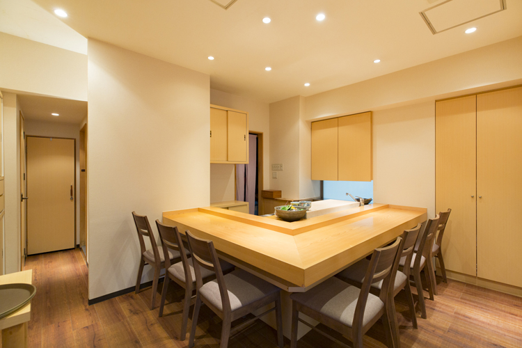 清潔感のあるシンプルな造り。個室もある