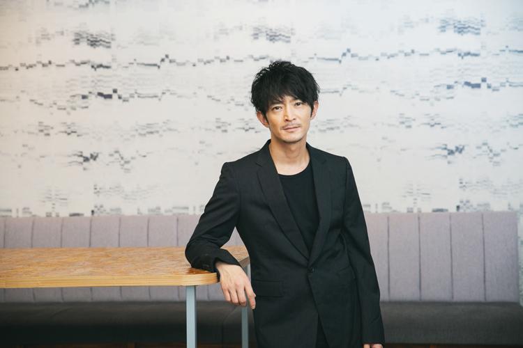 孤独がもたらした表現への愛と思い――表現者・津田健次郎