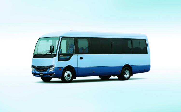 三菱ふそう・ローザ。現行モデルのマイクロバスの中では唯一4WDモデルがあり、積雪地のユーザーなどに好まれている