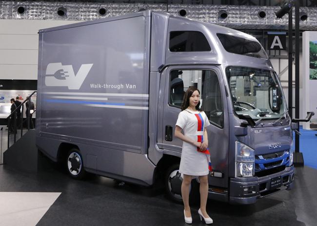 数は少なくても内容は充実、東京モーターショーに出展されたキャンピングカーたち
