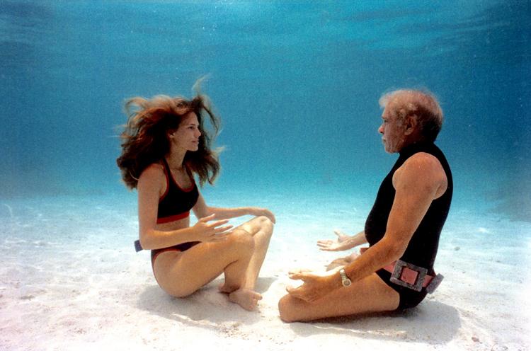 リュック・ベッソン監督『グラン・ブルー』のモデルとなった、伝説の素潜りダイバーを追うドキュメンタリー映画 劇場鑑賞券プレゼント