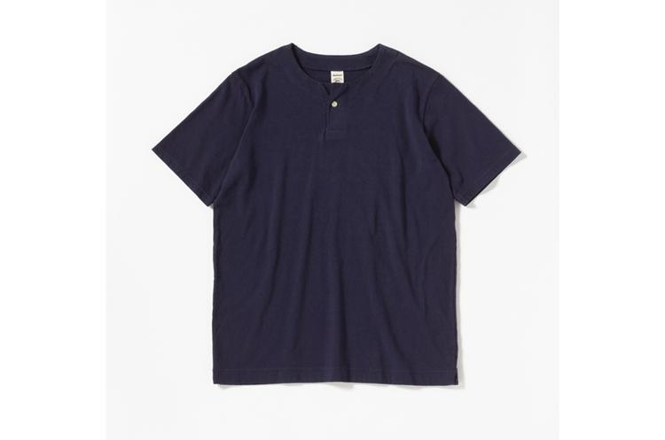 Henley neck T-Shirt