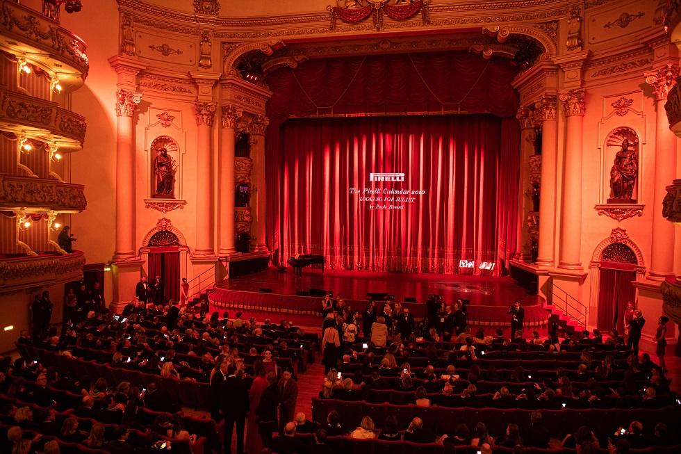 3 記者発表会の場となったベローナのテアトロ・フィラルモニコ劇場