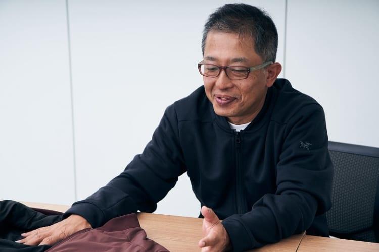 「性能はアトム LT ジャケットと遜色ありません」とアークテリクスのコマーシャルマネジャー・高木賢さん