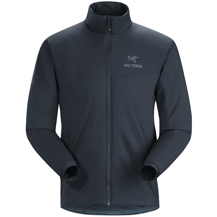 保温性と通気性を両立することで「ちょうどよい暖かさ」を作り出してくれるアトム LT ジャケット(画像は公式サイトより)