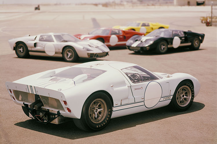 米映画『フォードvsフェラーリ』に登場 理詰めのスタイリング「フォードGT」