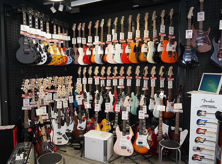 店舗入口近くに並ぶ、2〜3万円台のエントリーモデル