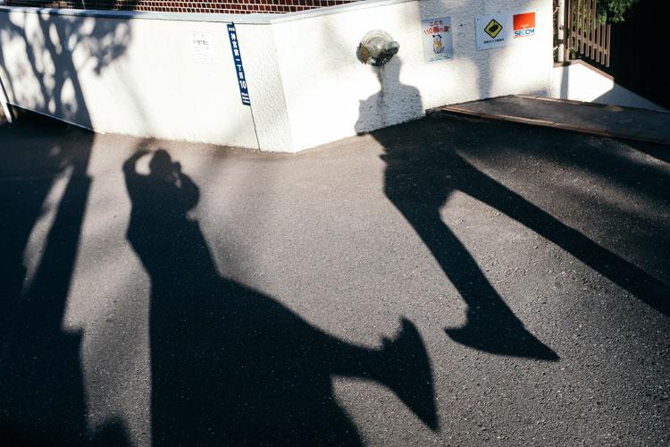原宿の街角でプロに学ぶ、光と影を意識したスナップ撮影のテクニック ...