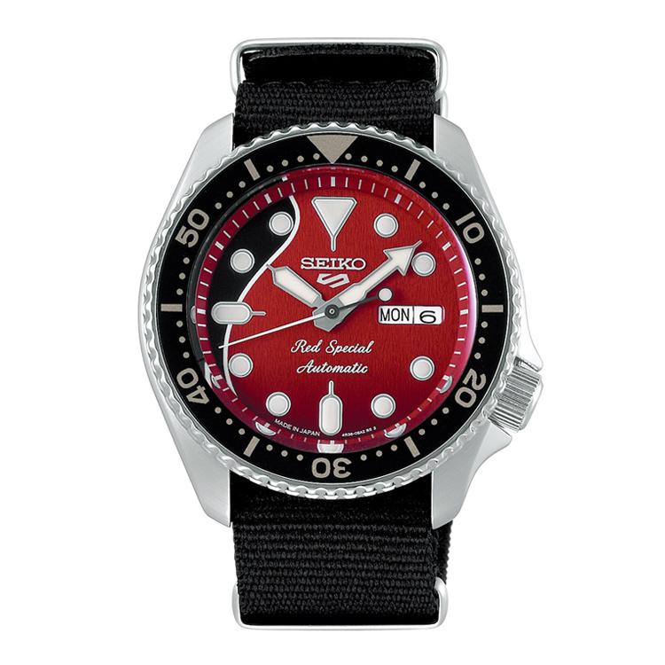 セイコーがブライアン・メイとコラボした腕時計=セイコー提供