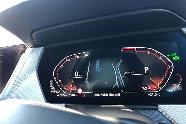 液晶の「BMWライブコクピット」はオプション