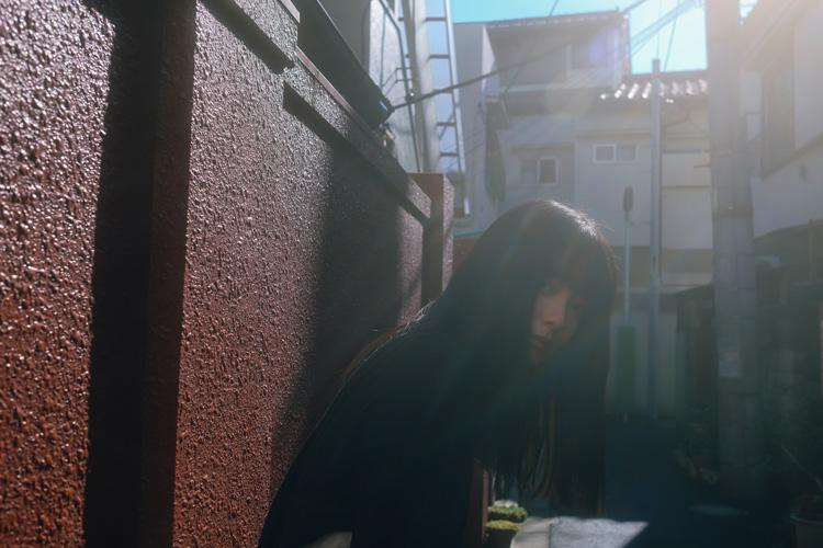 晴れた日に人物スナップを撮るコツを学ぼう モデル2人が日暮里・谷中銀座で撮影散歩
