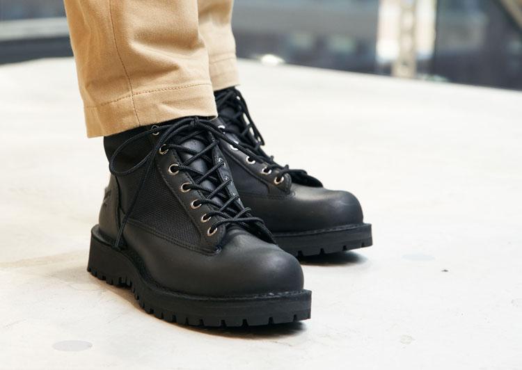 全天候型ブーツの傑作「ダナーライト」の魅力を半額以下で 機能充実のエントリーモデル「ダナーフィールド」