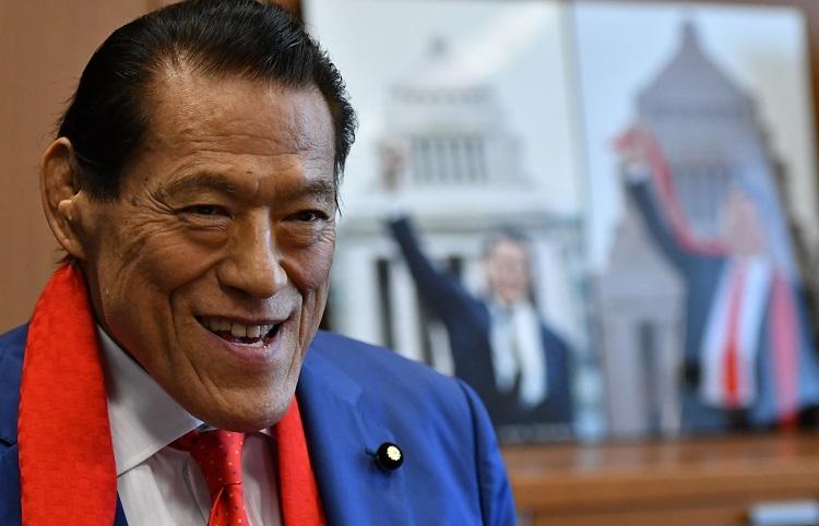 インタビューに応じるアントニオ猪木氏=2019年6月27日午後、東京・永田町の参院議員会館、仙波理撮影