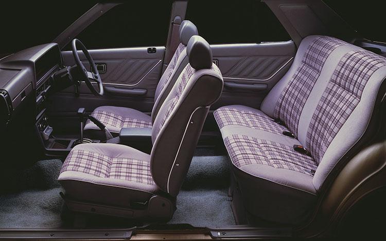 発表当初から男女の乗員を強調していたC210型に設定された「Mr. & Ms. スペシャル」(79年)のインテリア