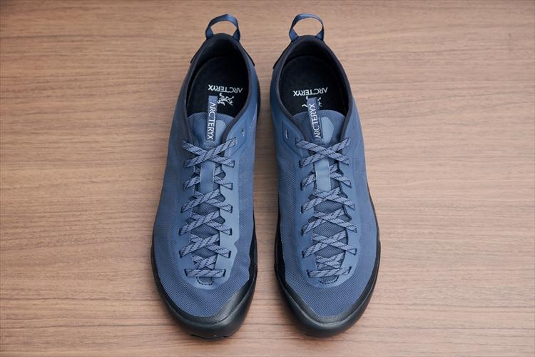 歩きやすく、かかとが踏めて、靴下いらず  無精者に薦めたいアークテリクスのフットウェア