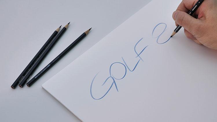 手の作業、あるいは手でやっていたから表現できた作業は、新しいデザインツールでも大切にしているという