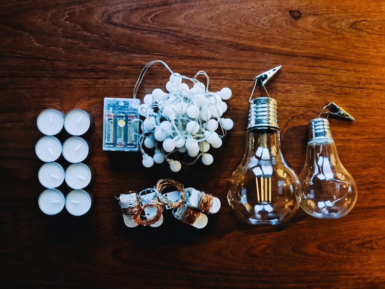 (左から)ロウソク、ワイヤライト、電球