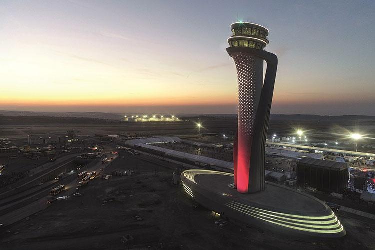ピニンファリーナ・アルキテットゥーラの近作から。イスタンブール新空港の管制塔。2018年