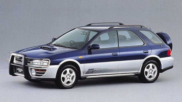 車高が少し上げられ四駆的な性格を強調したクロスオーバー「グラベルEX」(95年)
