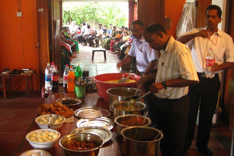 スリランカ内戦の古傷を癒やす 忘れ得ぬタミルの伝統カレー