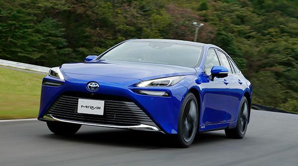 トヨタの燃料電池車、新型MIRAIプロトタイプに試乗
